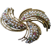 Gorgeous Kramer brooch, simulated pearls, jeweled