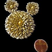 Vintage Kramer Gailardia aristata   earrings, brooch, shimmery silver, faux pearl set