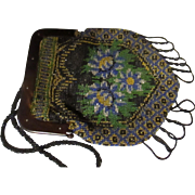 Art Deco 1920's glass beaded hand bag.