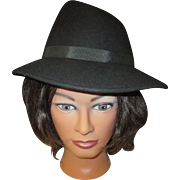 Vintage 100% wool lady's hat by Terry B. Splendide