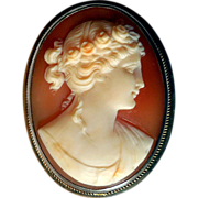 Romantic Vintage Carved Shell Cameo, Ca 1920s