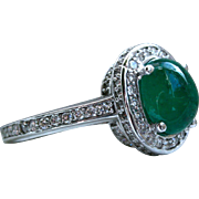 Vintage 18K White Gold Diamond and Cabochon Emerald Halo Ring - 4.45cttw