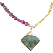 A Triangle Stone Pendant with Moss Agate and Rose Red Glass Bead Necklace and Earrings