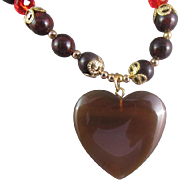 A Brown Agate Heart Pendant and Red Jasper Gemstone Necklace and Earrings
