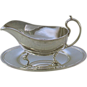 REDUCED Sauce/Gravy Boat & Saucer, Acanthus Leaves Mount
