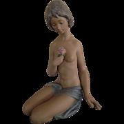 LLADRO Nude With ROSE/Desnudos De La Rose