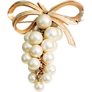Vintage Boucher Clustered Grapes fruit brooch #'d 1055P wired Simulated pearls Bow motif 1950'
