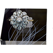 A Late Victorian / Edwardian Round Daisy Shaped Diamond Ladies Cluster Ring