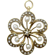 Beautiful 14K Yellow Gold Freshwater Pearl Flower Pin/Brooch