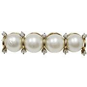 Adorable 10K Yellow Gold Cultured Pearl & .10 cts Diamond Brooch