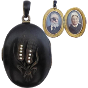 SALE Victorian Austro-Hungarian c1880 Carved Wheat Sheaf and Seed Pearl Mourning Locket