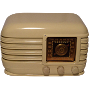 SOLD Repaired/Refurbished 1946 Crosley Tube Radio Model 56TX (White)