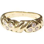 Wonderful Anniversary Diamond Ring Band 18 KT Yellow Gold - Brilliant Rounds of Diamond Hearts