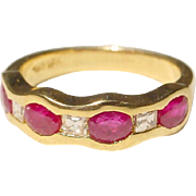Excellent Red Ruby & Diamond Ring 18 KT Yellow Gold - Wonderful Red & White Anniversary Band