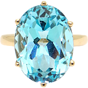 Stunning 10k Yellow Gold 12ct Oval Shaped Blue Topaz Solitaire Ring