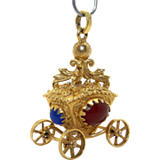 Retro 18k Yellow Gold Cabochon Brown Blue Onyx Carriage Coach Charm