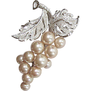 Sterling Silver Cultured Pearl Pin Japan 12 Cream Pearls Grape Cluster