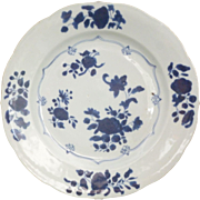 17/18th c Kangxi Blue and White Barbed edge Plate with floral decoration.