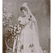 SOLD EXQUISITE BRIDAL GOWN WEDDING DRESS TRAIN VEIL BRIDAL BOUQUET FLOWER GARLANDS