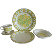 "Vintage Franciscan Ware ""Picnic"" Place setting Set with Dinner and Salad Plates, Cer"