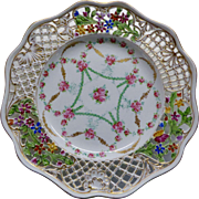 Dresden Plate with Pierced Border.