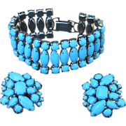 Robin's Egg or Persian Turquoise Blue Color Vintage Bracelet and Earrings