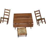 Dollhouse  wood Shackman picnic Table and chairs