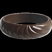 Bakelite Bangle Bracelet Carved in Brown