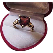 14K Heart Shaped Vintage Garnet Ring