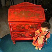 Beautiful Japanese lacquer Dolls writing desk, for your French Fashion doll, Red with Golden .