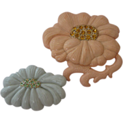 SALE Rare 1940's Art Plastic Flower Pins