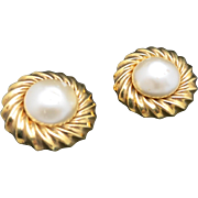 Chanel Earrings Fake Pearls Gold tone Clip on