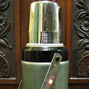 SOLD Vintage Stanley Aladdin Thermos Classic Bottle A-944C 32 Oz Quart Capacity