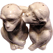 Fun Pair of Kissing Monkey Shakers by FF Japan