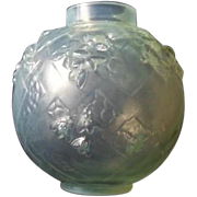 EARLY c1925 French Art Deco opalescent glass vase by Sabino…