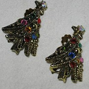 SALE Sparkly Rhinestone Decorated Hollycraft Christmas Tree Clip Earrings