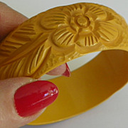 REDUCED SALE: Bakelite Carved Bracelet - 3 Flowers & 3 Leaves - Yellow