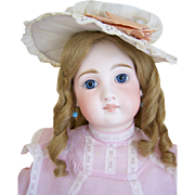 French Market - Particulary Fine Mold 136 - 21 Inch Closed Mouth on French Body