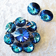 Signed Vintage Designer Weiss Brooch and Earring Set With Swarovski Rivoli Crystals