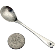 Salt Spoon Fiddle Shell England Sterling Silver 1922