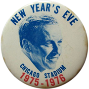 SOLD Frank Sinatra Button , Chicago Stadium, NYE Concert, 1975-76