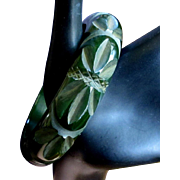 Prystal Bakelite Bracelet, Green Carved Deco