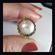 18K Yellow Gold Cultured Mabe Pearl Ring Designed by Rojola of Italy, Size 7 1/4