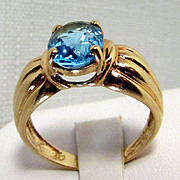 10K Yellow Gold Swiss Blue Topaz Ring Size 7 1/4