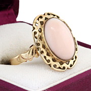 1920's - 30's 14K Yellow Gold Angel Skin Coral Ring Size 7