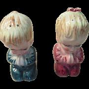 Vintage Children Saying Prayers Salt and Pepper Shakers
