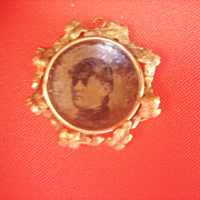 .Antique Victorian 14 kt Gold Grape Leaf Locket Charm