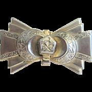 Vintage Art Deco 10kt Bow Pin
