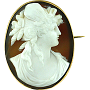 SALE Antique Finely Carved Cameo Brooch