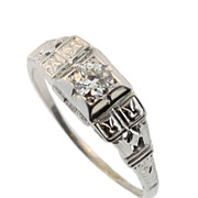 Art Deco White Gold and Diamond Ring